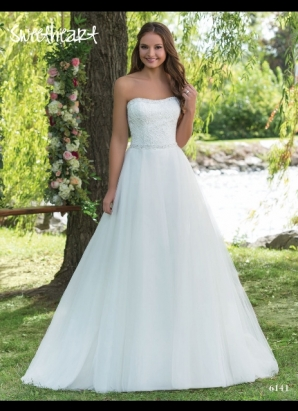Sweetheart 6141 - NOW £350 - SIZE 14