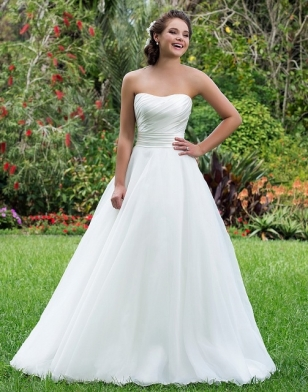 Sweetheart 6115 - NOW £300 - Size 14